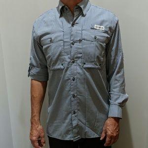 Men's travel shirt size XS.